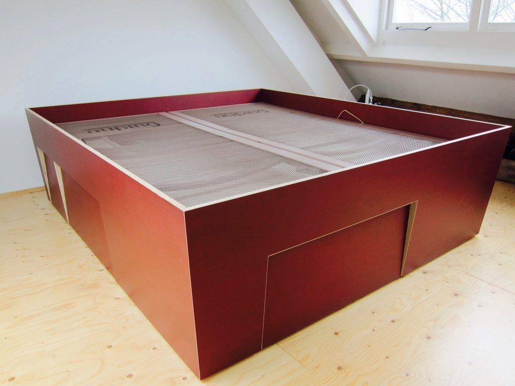 Ruimtewinning: rondom extra grote lades onder het bed