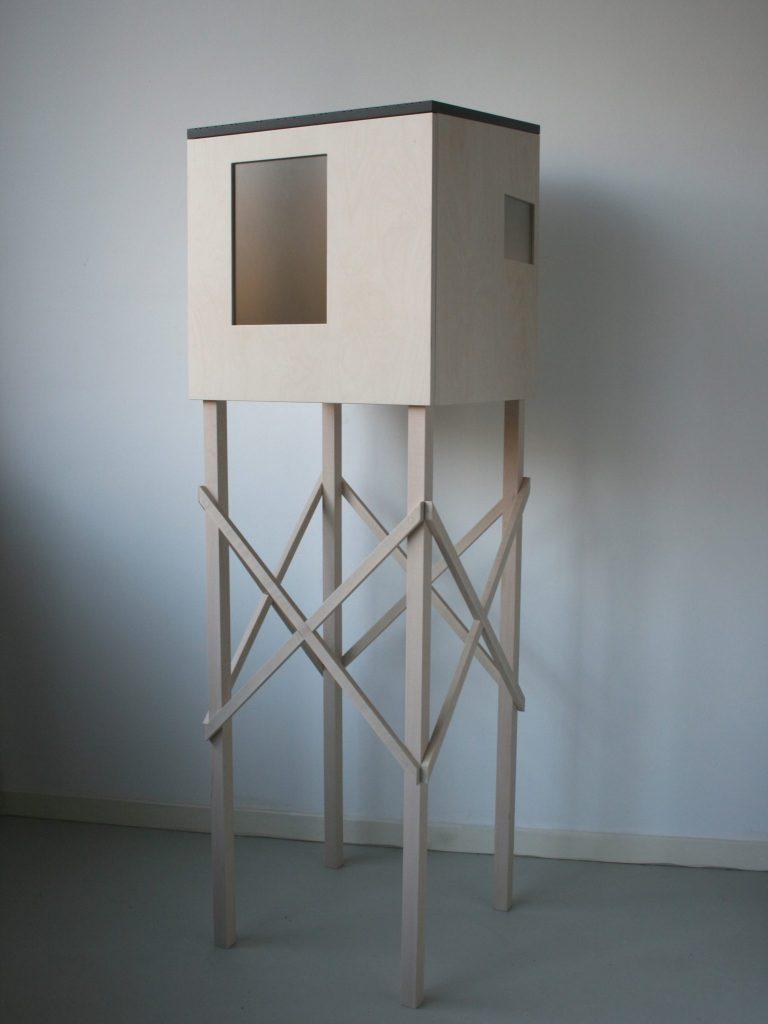 Kunstzinnige presentatie voor keramiek