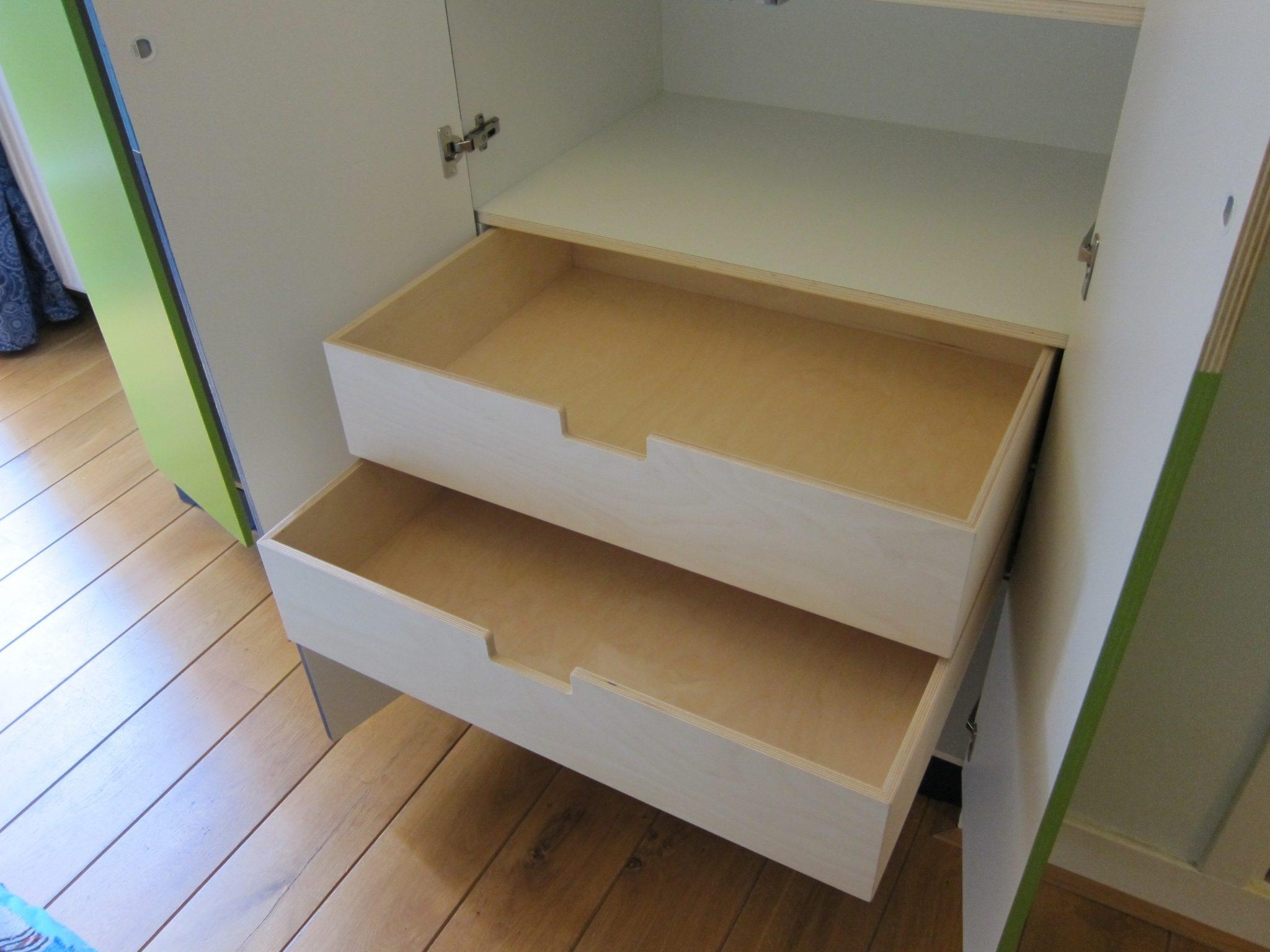 Kledingkast vincent niekerk meubelmaker amsterdam for Meubelmaker amsterdam