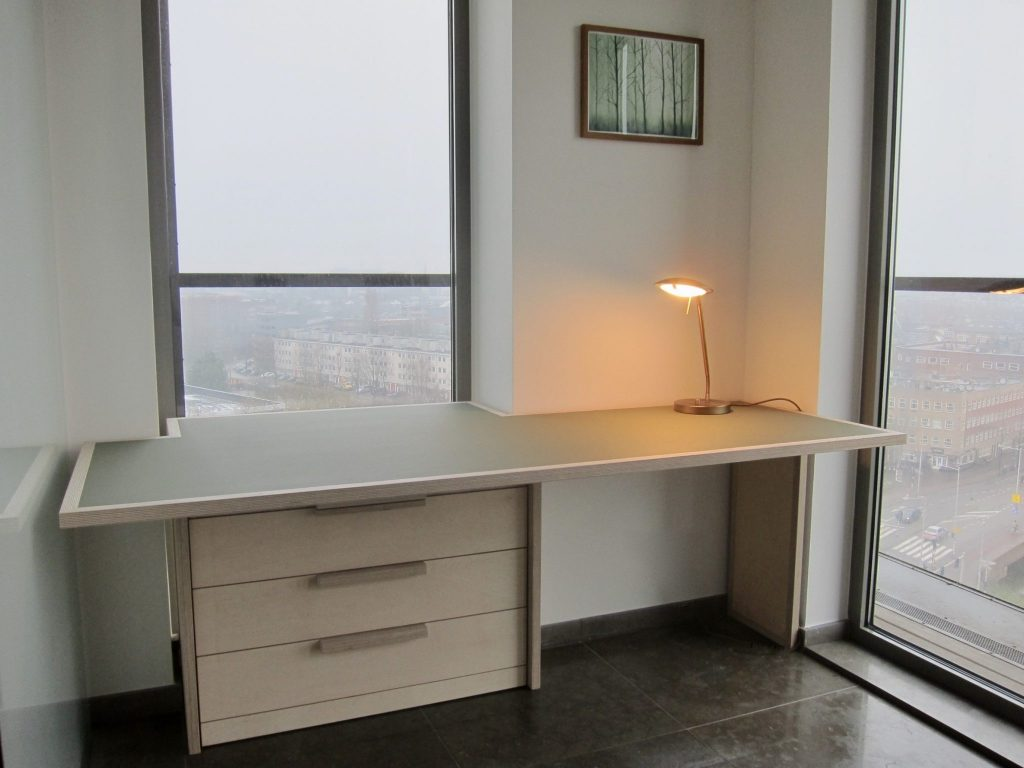 Bureaublad bekleed met Furniture Linoleum
